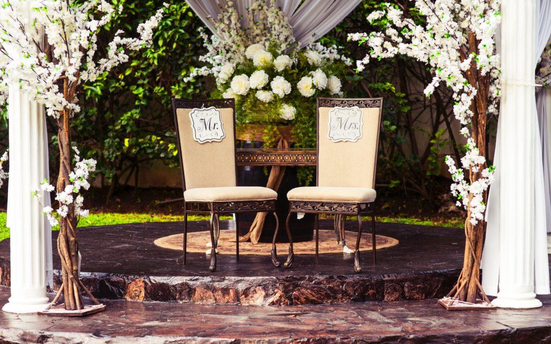 Comment aménager l'autel de votre cérémonie laïque?