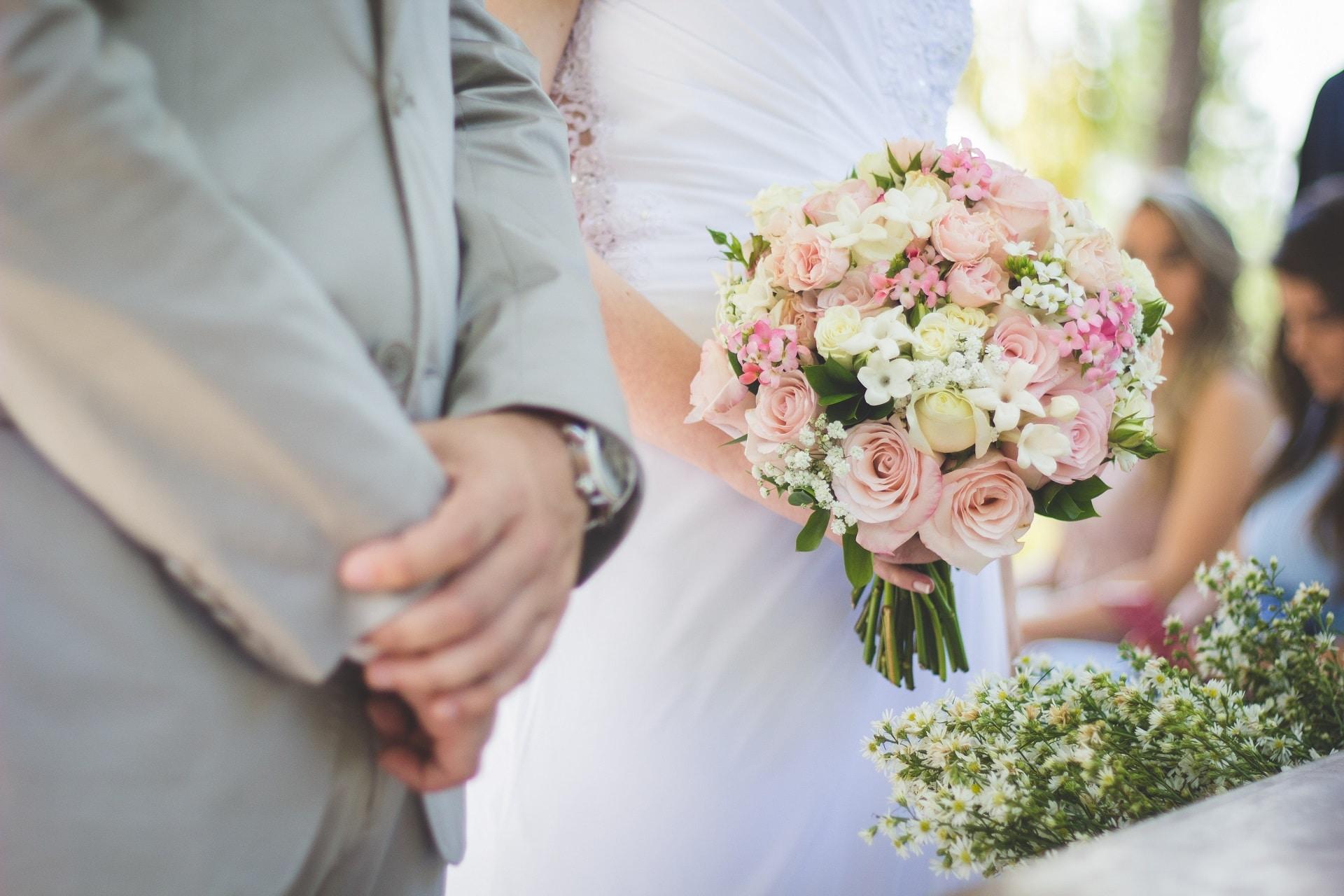 Notre coeur de métier est de créer et de célébrer les évènements heureux de la vie tel qu'un mariage. Donner vie à vos émotions en y mettant des mots, c'est notre super job.